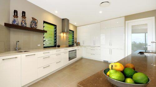 travers-jones-buderim-kitchen (1)