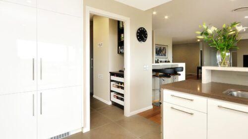 travers-jones-buderim-kitchen (16)